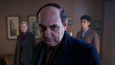 Luis Gnecco as Pablo Neruda.
