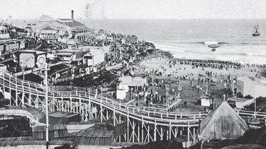 Wonderland City fun park at Tamarama beach, Sydney c1907. The park included an airship and a Switchback Railway.