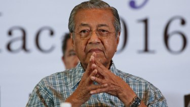 """Malaysia's former Prime Minister Mahathir Mohamad: """"People are afraid of this government."""""""