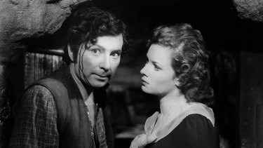 Robert Newton and Maureen O'Hara in <i>Jamaica Inn</I>.