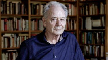 Novellist Alex Miller.