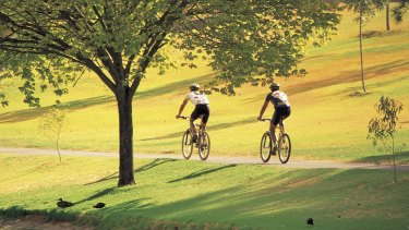 The report identified many problems with the existing cycling infrastructure.