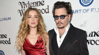 Amber Heard and Johnny Depp will settle their divorce case.