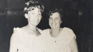 Maggie Beer with her mum, Doreen.