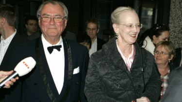 "Danish Prince Henrik ""loves his wife, but has difficulties with the queen as an institution""."