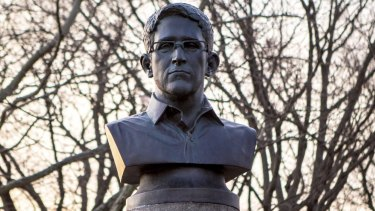 A large bust of Edward Snowden in Fort Greene Park, Brooklyn, by ANIMALNewYork, a group of anonymous artists in 2015.