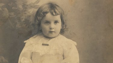 Rosetta's daughter Frances Raphael, aged 2, in Melbourne, 1902. Rosetta left her three years later. She was known as an adult as Billie.