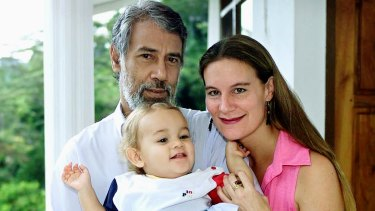 Xanana Gusmao, son Alexandre and Kirsty Sword Gusmao in 2002.