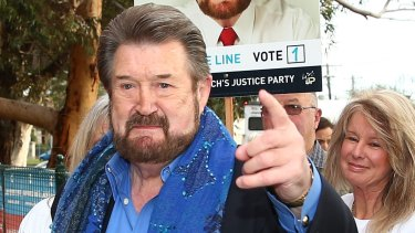 It seems the two main parties want to cheat Derryn Hinch out of the six-year terms to which he was elected on July 2.