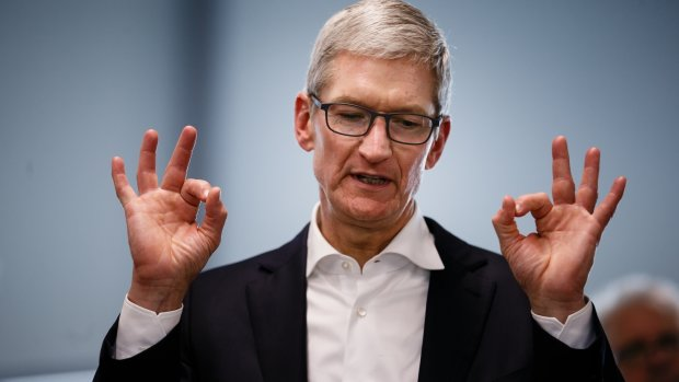 Tim Cook sure is selling $54 million of Apple stock at a weird time