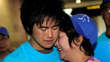 Hong Vo in an emotional reunion with her son Martin after returning from Vietnam in 2010.