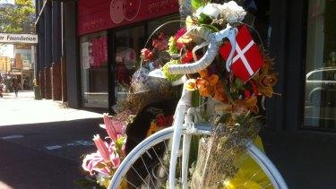 Ghost bike at South Brisbane, a shrine to Rebekka Meyer.