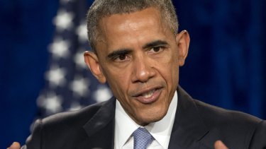 US President Barack Obama has authorised new travel and financial sanctions designed to curb cyber espionage.