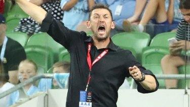 Hitting back: Wanderers coach Tony Popovic.