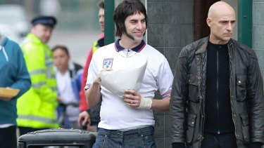 Sacha Baron Cohen as Nobby Grimsby and Mark Strong as Sebastian Grimsby in The Brothers Grimsby.