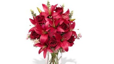 """The discounted $140 """"Admirer"""" rose and lily bouquet that was never delivered."""