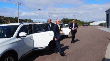 Prime Minister Malcolm Turnbull visited Esperance before heading to Perth to discuss Roe 8