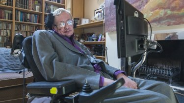 Professor Stephen Hawking says he no longer feels welcome in the US.