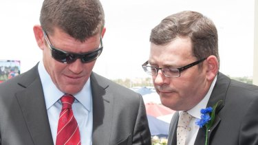 "The state opposition says Daniel Andrews, pictured here with Crown's largest shareholder James Packer in 2012, is sweeping the Bergin inquiry findings ""under a rug""."