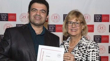Ali Nazari receives a commendation from Swinburne University in 2017