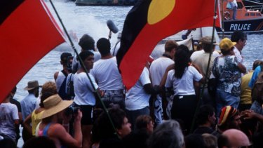 An Aboriginal flag should fly from the top of the bridge permanently.