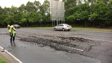A burst water main has created traffic chaos in Brisbane's east. Photo: RACQ / Twitter