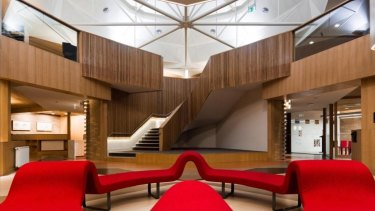 The Academic Centre at  Ormond College aims to provide the types of spaces students prefer to work in.