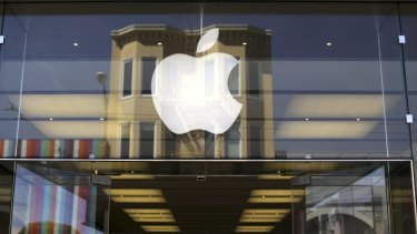 Apple customers are now able to take their old devices to an Apple retail stroe to trade in for credit.