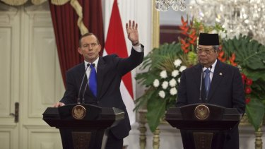 Tony Abbott will meet President Susilo Bambang Yudhoyono in Batam island for a concerted effort at reconciliation.