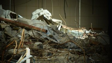The state government says there is no risk to the public from asbestos on the site.