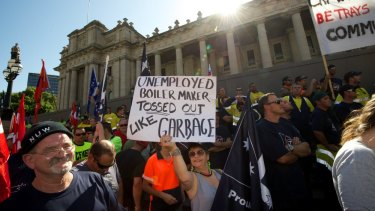 Workers protest about 457 Visas in 2013. The Department of Immigration will now allow overseas workers to stay in Australia for a year without the 457 visa.