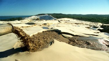 Premier Campbell Newman broke an election promise so he could extend a donor's mining rights on Stradbroke Island, writes Richard Carew.