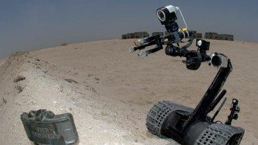 Fearless: A TALON 3B robot approaches a land mine.
