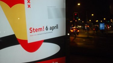 "A sign for the referendum in Amsterdam reads ""Vote April 6""."