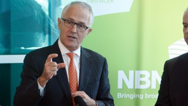 Communications Minister Malcolm Turnbull believes it's time for Australian community television to surrender its wireless spectrum and move online.