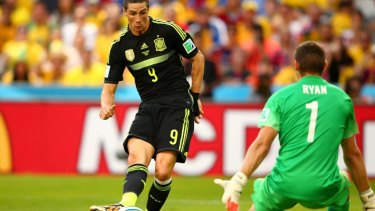 2-0: Fernando Torres scores Spain's second goal.