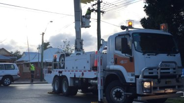 Western Power crews restored power to 32,000 homes on Thursday.