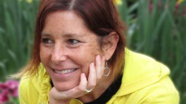 Author Amy Krouse Rosenthal, who had terminal cancer, has died.