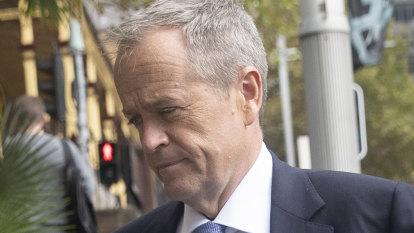 Bill Shorten lunches with Australia's richest man