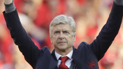 Premier League refs should use monitors and have final say: Wenger