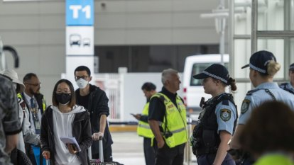 Federal government to limit overseas arrivals at Sydney Airport