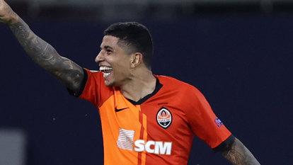 Four-goal Shakhtar set up Europa semi against Inter, Wolves heartbreak