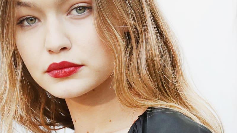 How to get paris fashion week 39 s tomato sauce lips - Paris 2000 hair salon ...