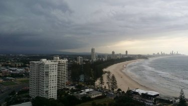 Curtis Murray reported Continuous thunder from Burleigh Heads on the Gold Coast.
