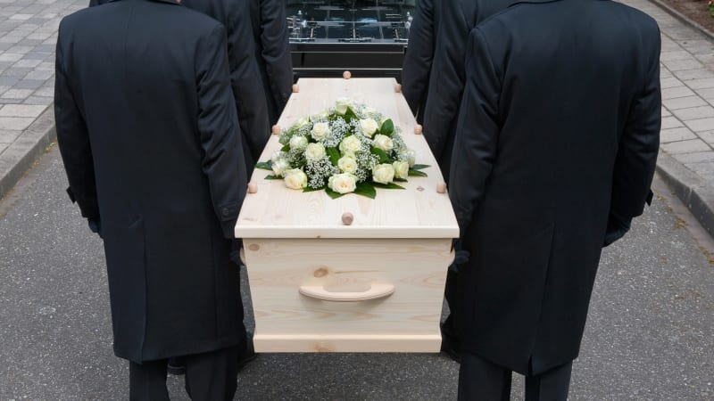 How the funeral industry preys on grieving families solutioingenieria Images