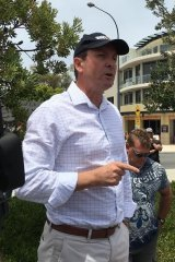 Labor leader Mark McGowan addressing locals about the fish kill in Rockingham on Saturday.