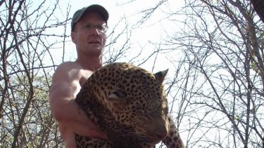 Walter Palmer photos from Blogger site Trophy Hunter America Walt Palmer with a 79-kilogram Leopard taken with hounds in Zimbabwe.