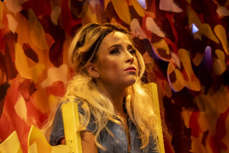 Alexandra Oomens as chaste Dafne.