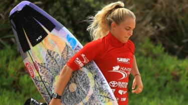 WA's Felicity Palmateer finished 2nd in her heat in rising 10-metres swell.