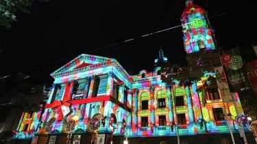 Melbourne Town Hall will again be gift-wrapped in lights this Christmas.